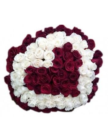 Букет Любимая оценит из 101 розы в форме сердца