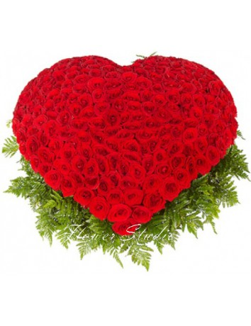 Букет Сердечная романтика из 301 красной розы в форме сердца в корзине