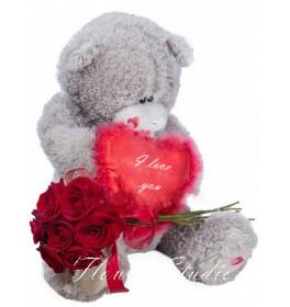 Мишка с розами