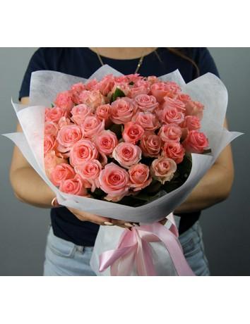 Букет Превосходство с 51 розой нежного оттенка от Flower Studio.