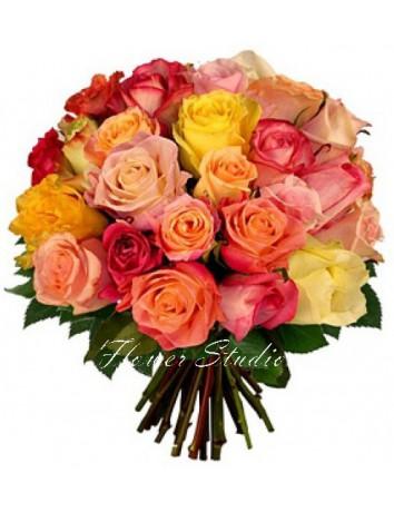 Букет Прекрасная Маргарита из 29 разноцветных эквадорских роз