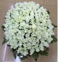 Букет Соблазн из 201 белой розы с зеленью в корзине