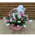 Букет Ангелок из белых и розовых тюльпанов в корзине