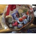 Подарочный набор Детский со сладостями и игрушкой в корзине