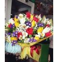 Букет Радуга из тюльпанов, ирисов, фрезий и гипсофилы