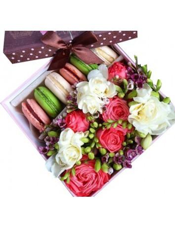 Макаронсы и цветы