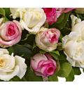 Букет Русалочка из белых и розовых роз в корзине