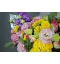 Корзина с цветами Лужайка из розы, маттиолы, эустомы.