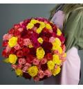 Букет Коко Шанель из 101 разноцветной розы