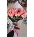 Букет Цветочная капель из 21 розы Мисс Пигги