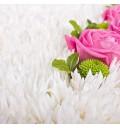 Букет Нежный день из розовых роз и белых хризантем в форме сердца в корзине