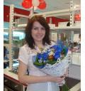Букет Эксклюзив из 15 синих роз и зелени